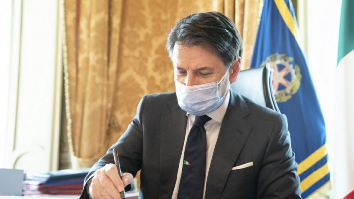 Covid, Conte firma il nuovo Dpcm: tutte le misure previste