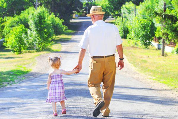 Istat: un bambino ogni cinque anziani. Campania regione più giovane