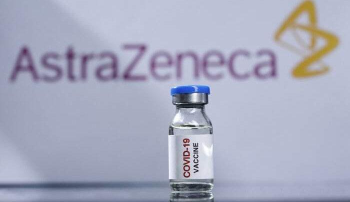"""AstraZeneca, Ministero: """"Preferenziale over-60. Ok seconda dose"""""""