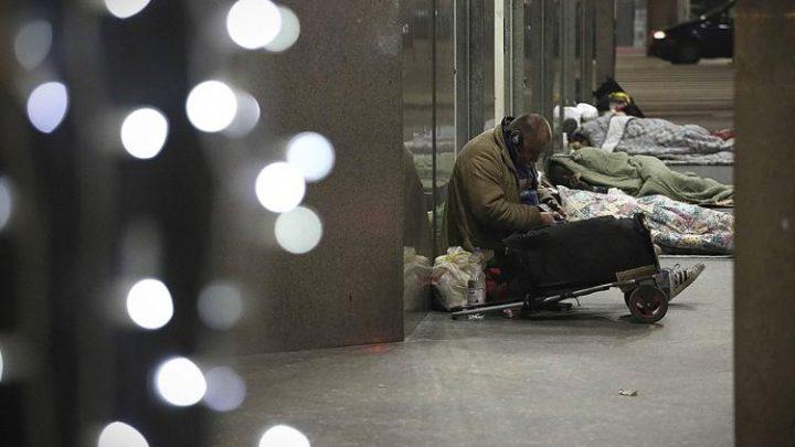 Istat: nel 2020 minimo storico nascite e crescita povertà assoluta