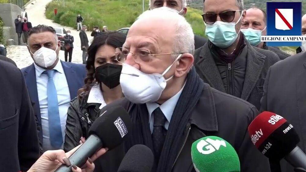 Campania: obbligo di tampone o Green Pass per chi atterra in regione